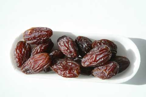 Dried Dates Are Excellent But Have Too Many Calories